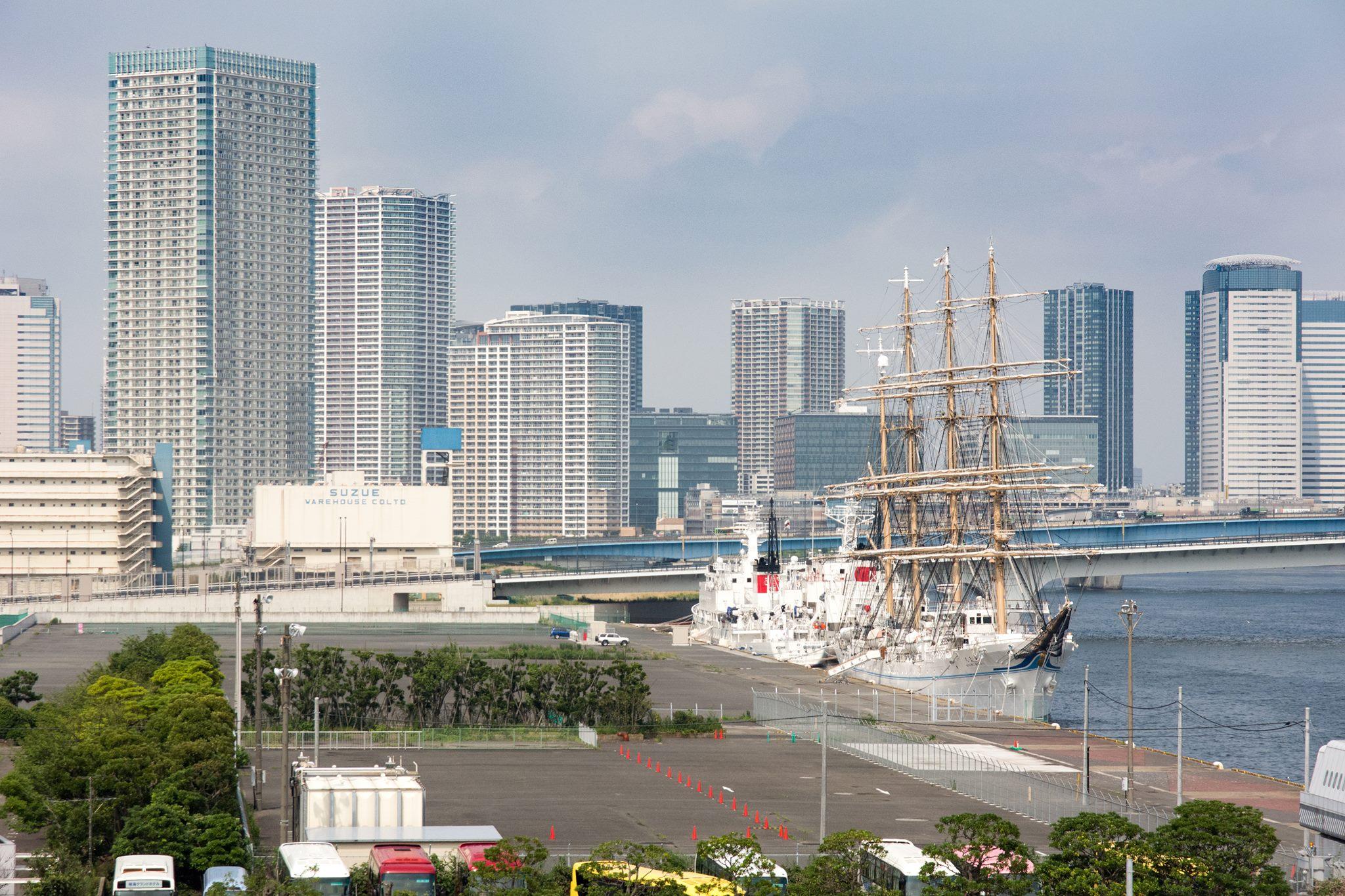 東京晴海埠頭客船ターミナルからの風景